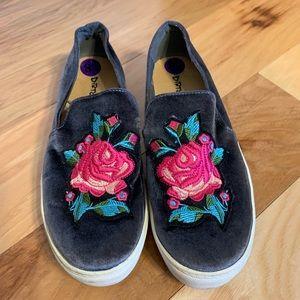 Dirty Laundry Jiana rose velvet slip on sneaker.